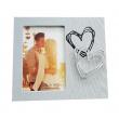 Dřevěný fotorámeček LES DEUX na 1 fotografii 10x15cm se srdcem šedý