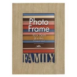 Dřevěný fotorámeček 10x15 cm s vyřezaným detailem Family
